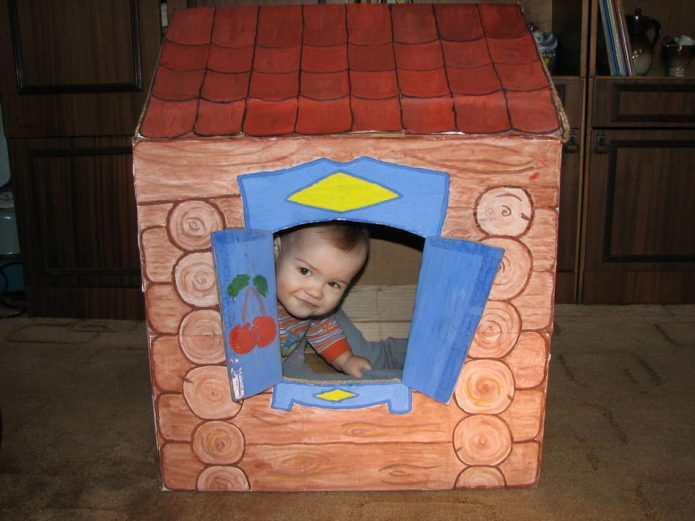 Детский игровой домик из коробки