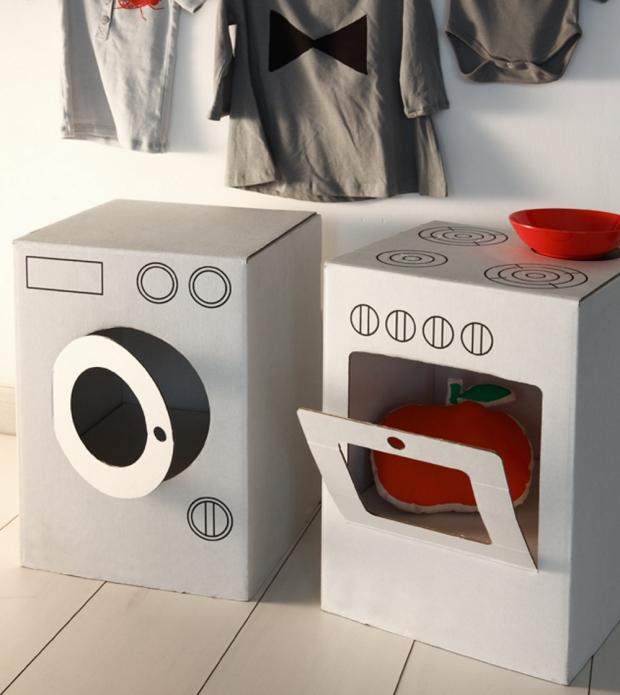 Игрушечная плита и стиральная машина из коробок
