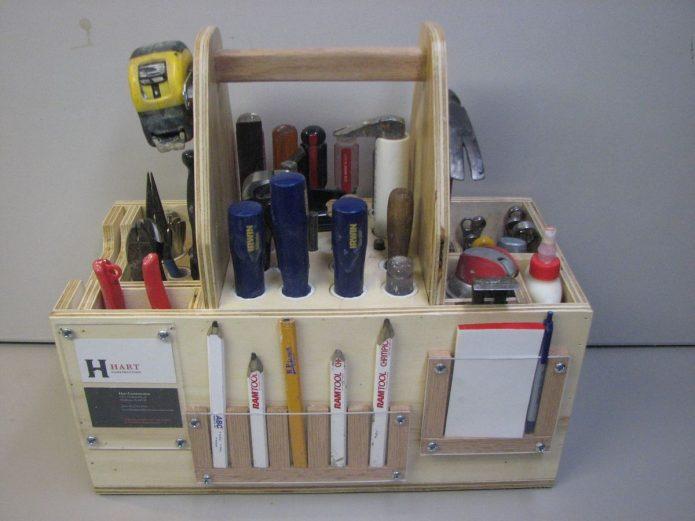 Самодельный органайзер для плотника из фанеры