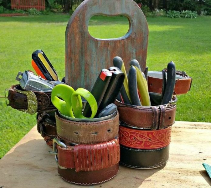 Эффектный органайзер для садовых инструментов