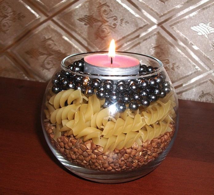 Декорирование подсвечника сухими пищевыми продуктами и бусинками