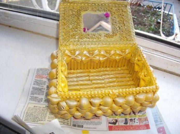 Прочная шкатулка из макаронных изделий