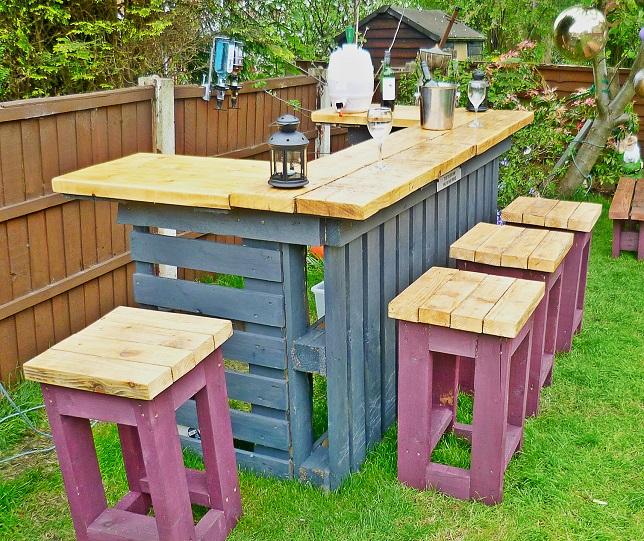 Комплект садовой мебели из досок