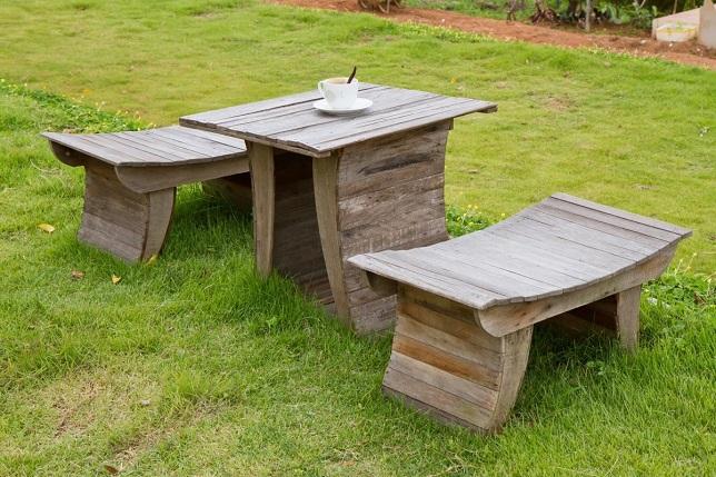 Самодельный комплект дачной мебели