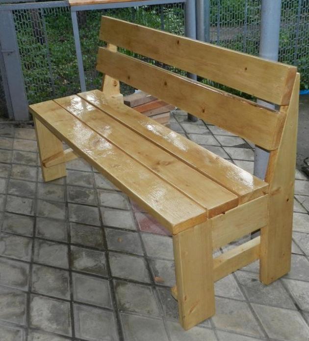 Самодельная садовая скамейка из досок