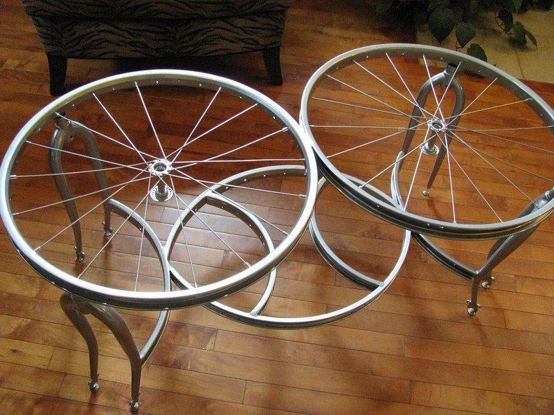 Поделки из велосипедных колёс для квартиры и дачи: идеи для домашнего творчества