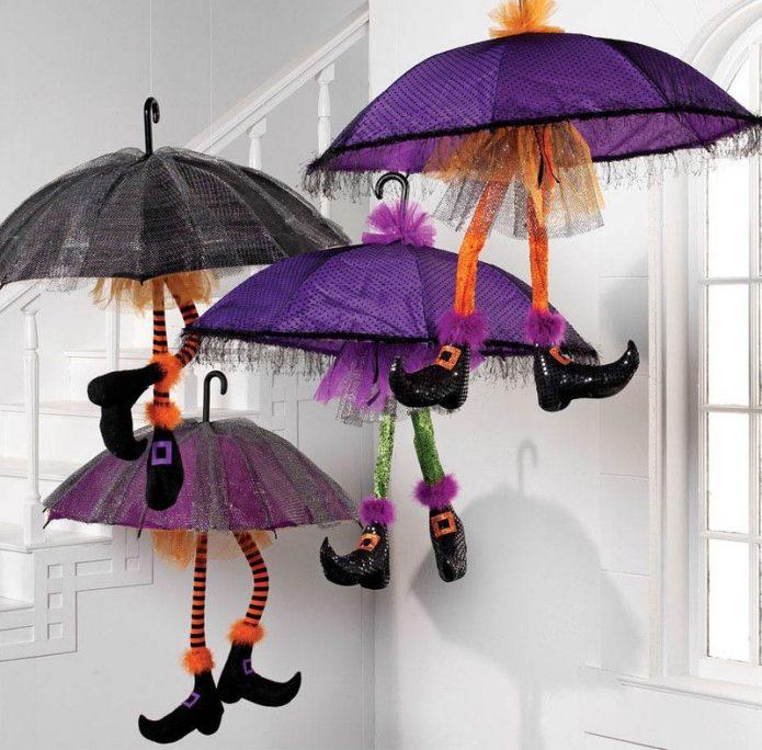 Декор детской комнаты из нескольких зонтов