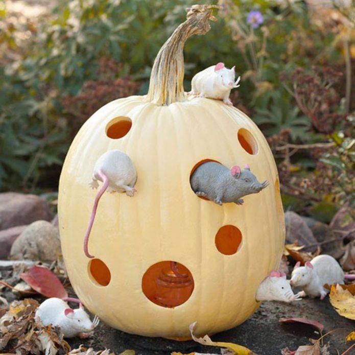Оригинальный декор к Хэллоуину на даче