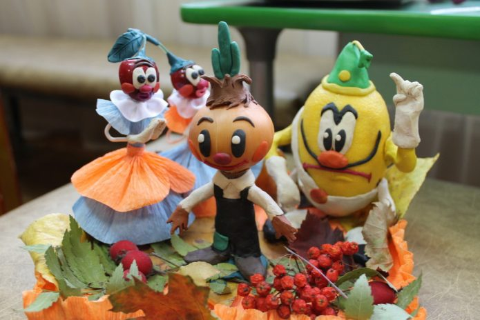 Илюстрация из овощей, фруктов и пластилина к сказке Джанни Родари