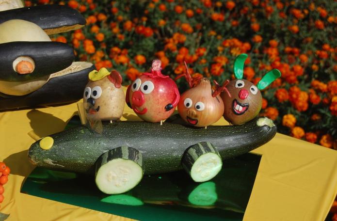 Смешарики из овощей и фруктов
