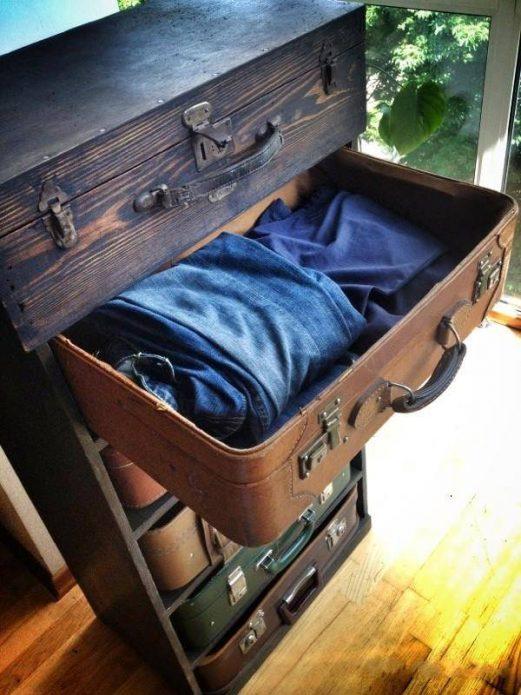 Комод из старых чемоданов