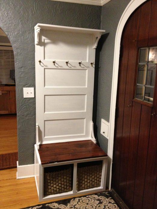 Вешалка из старой двери