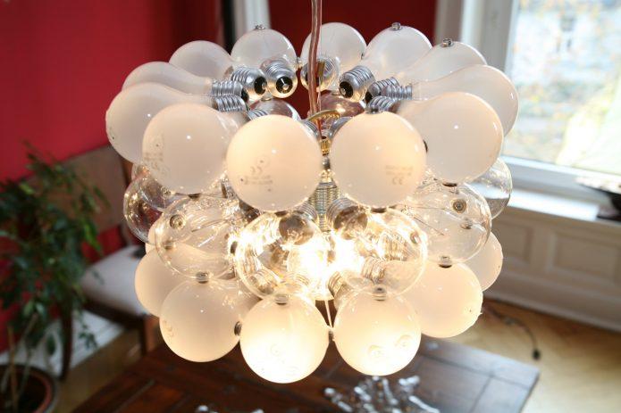 Плафон люстры из лампочек