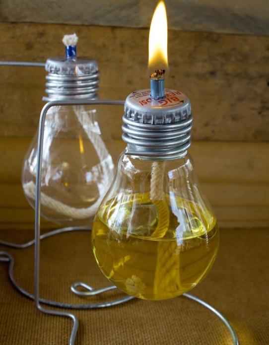 Масляные светильники из старых лампочек