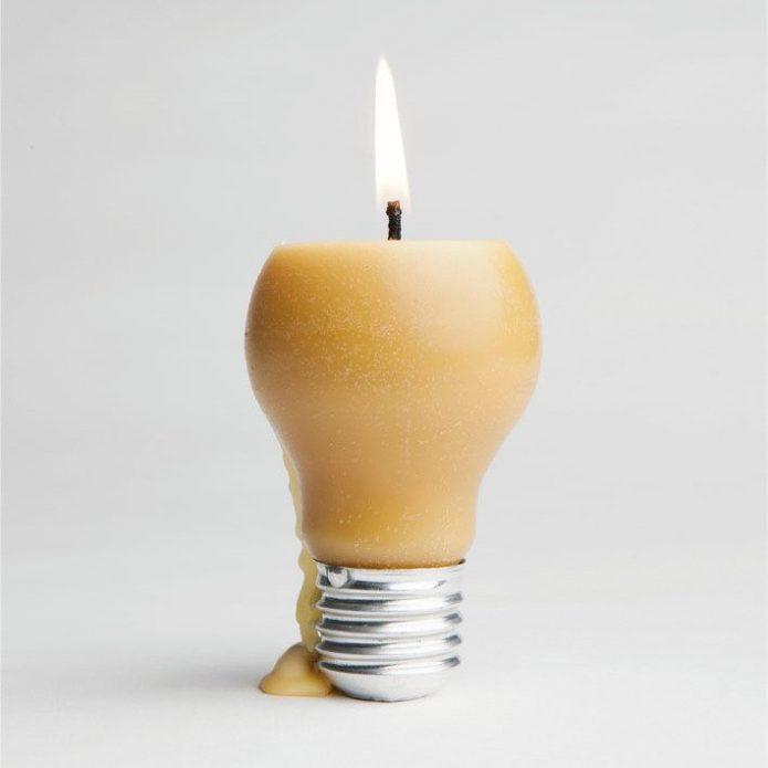 Свеча из перегоревшей лампочки