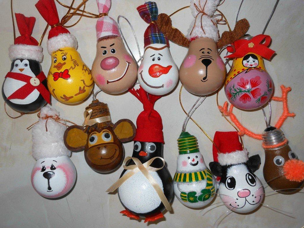 все гимнастки новогодние игрушки из лампочек своими руками фото организовать уход