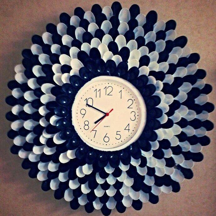 Оправа часов из одноразовых ложек