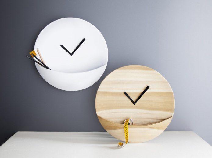 Часы с удобными кармашками