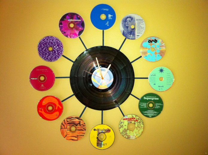 Часы из пластинки и DVD-дисков