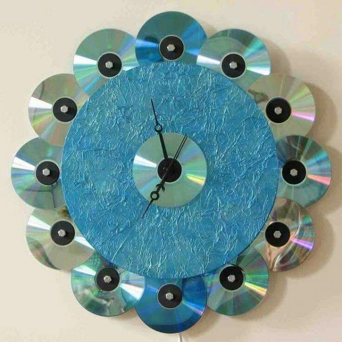 Часы из DVD-дисков