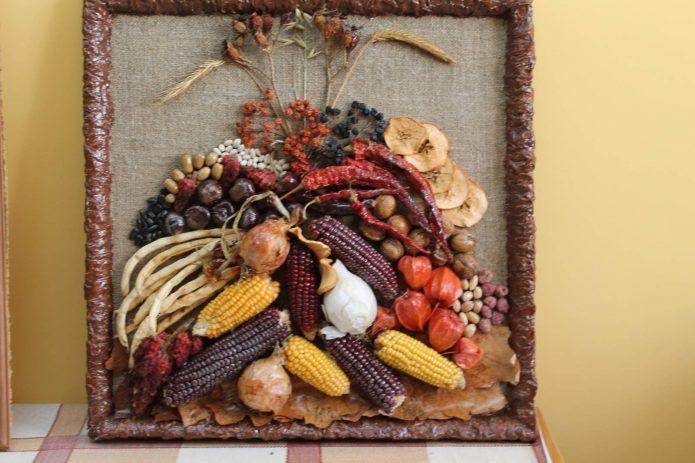Осенняя композиция из продуктов