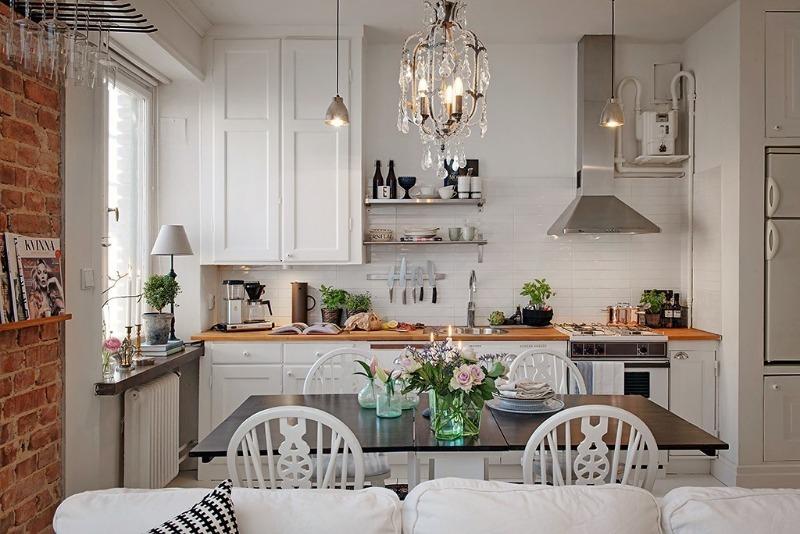 Дополнительное пространство: 6 нестандартных мест хранения на кухне